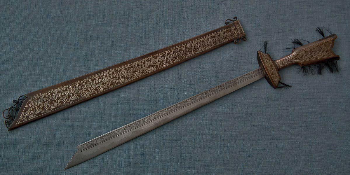 SOLD Antique Philippines Islamic Filipino Muslim Moro Chiefly Sword Kampilan