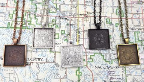 1 Inch (25mm) Square Pendant Tray With 18 Inch Rolo Chain 00031