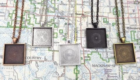 1 Inch (25mm) Square Pendant Tray With 18 Inch Rolo Chain