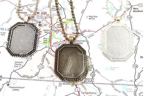 22x30MM Octagonal Pendant Tray With 24 Inch Ball Chain & Glass 00037