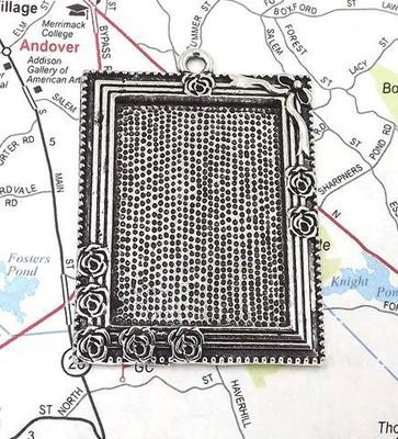25x35MM Rectangle Rose Frame Pendant Tray in Antique Silver