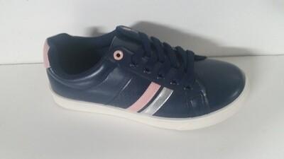 Compra 2 Zapatos y te llevas uno gratis/..Buy 2 Shoes and Get 1 Free