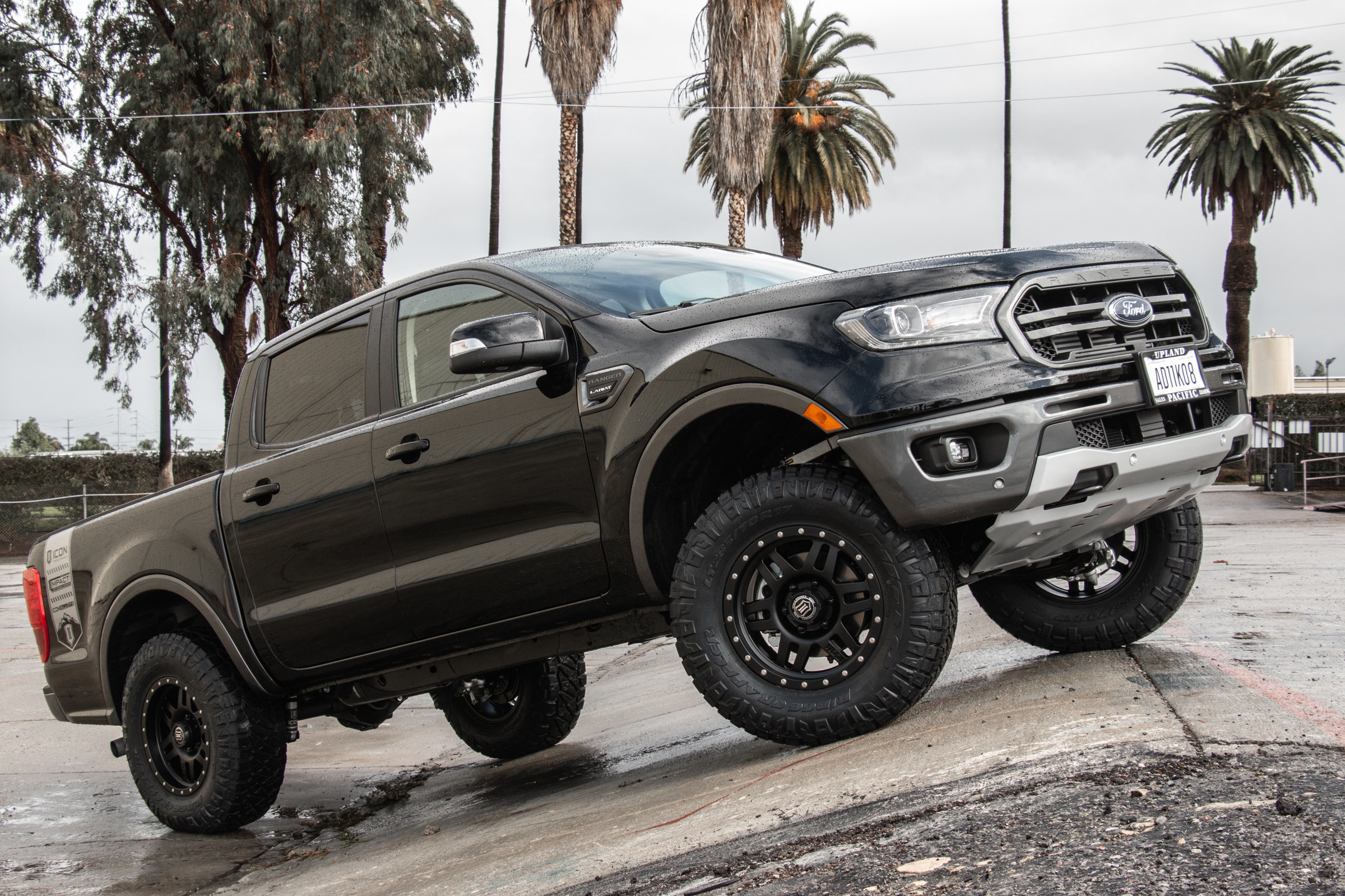 2017 Ford Super Duty F-350 Lariat by Hellwig Suspension Products 96527