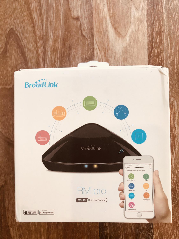 Broadlink RM pro Wi-Fi universal remote.