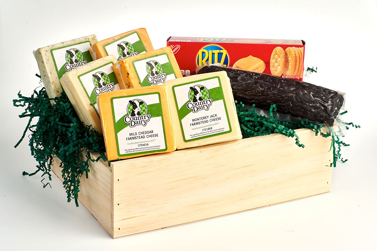 4 lb. Cheese & Sausage in Vintage Wooden Box 00005
