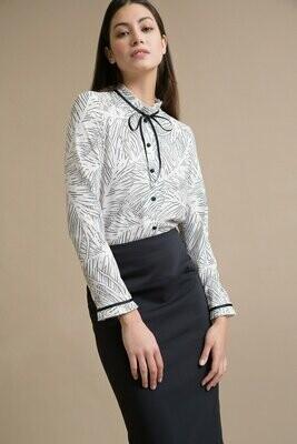 Блузка с плиссировкой