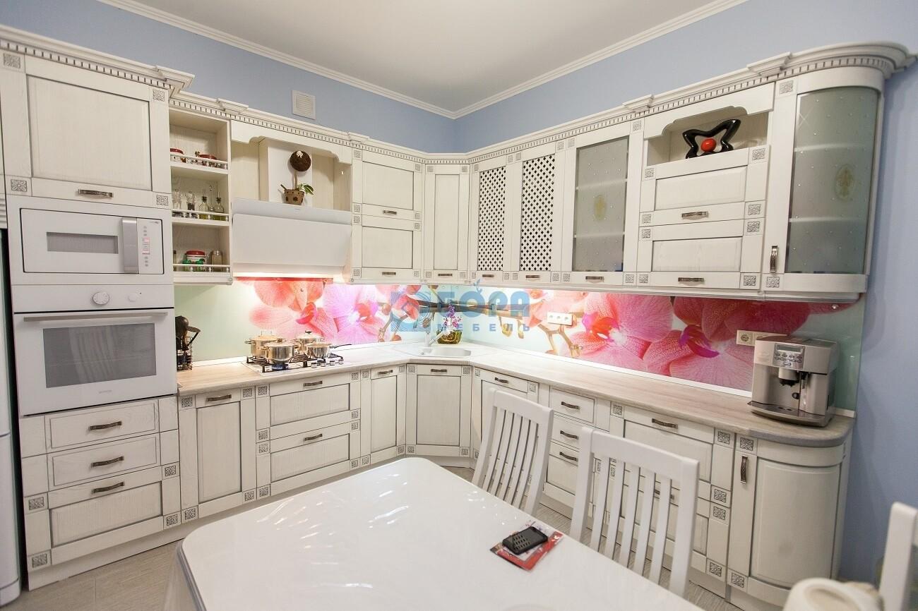 Кухня   Ясень   Млечный   Флора