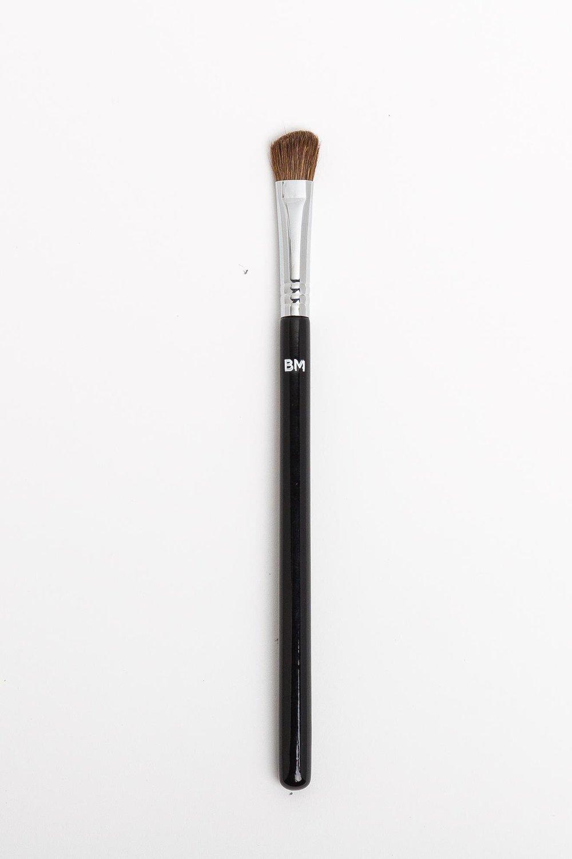 Скошенная кисть для теней BM №122