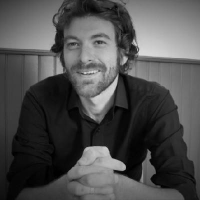 Nagranie zapowiedzi telefonicznych w wykonaniu lektora Julien - Kupon