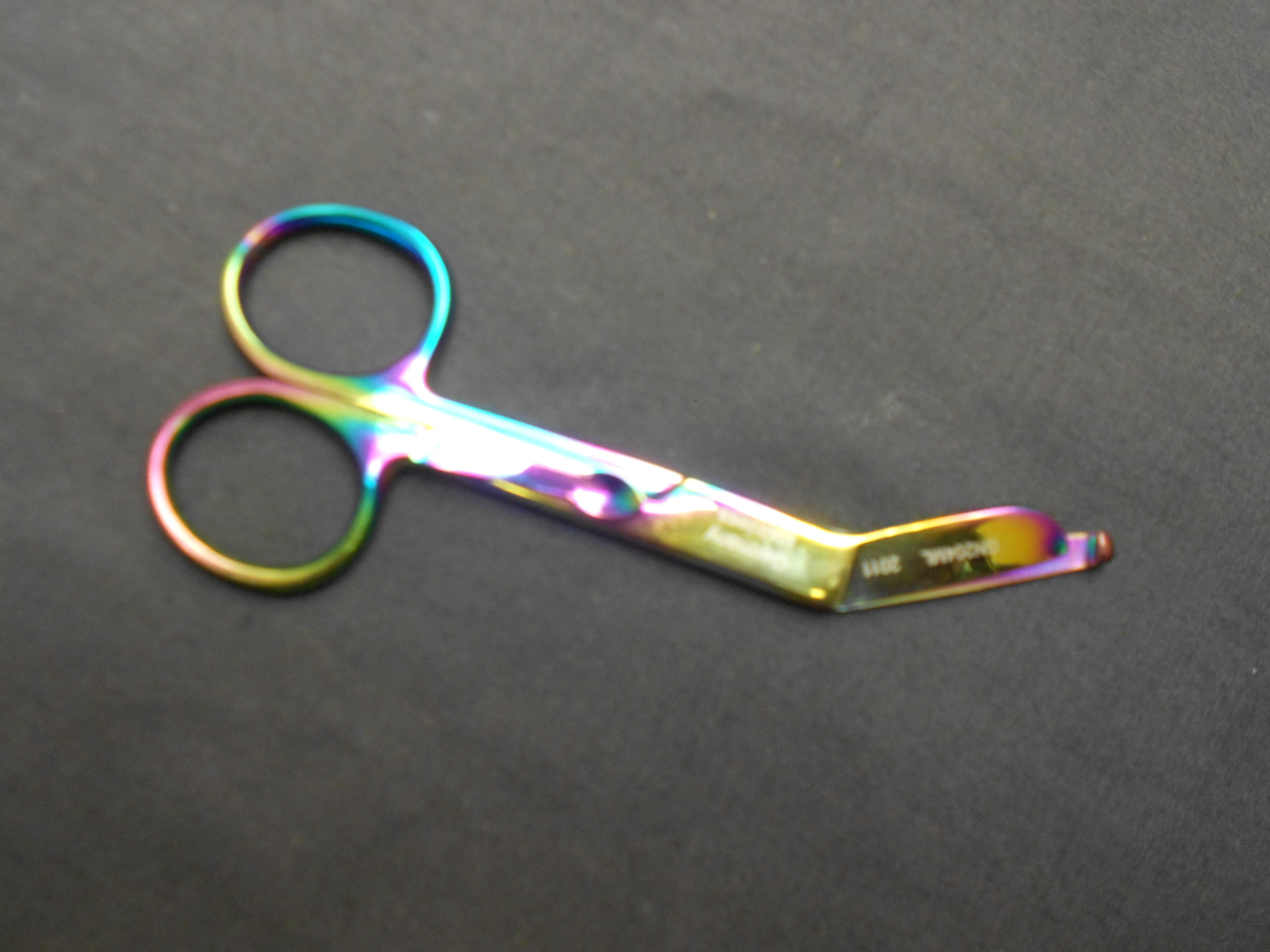 "Lister Bandage Scissors 5½"" one blade serrated MC205"