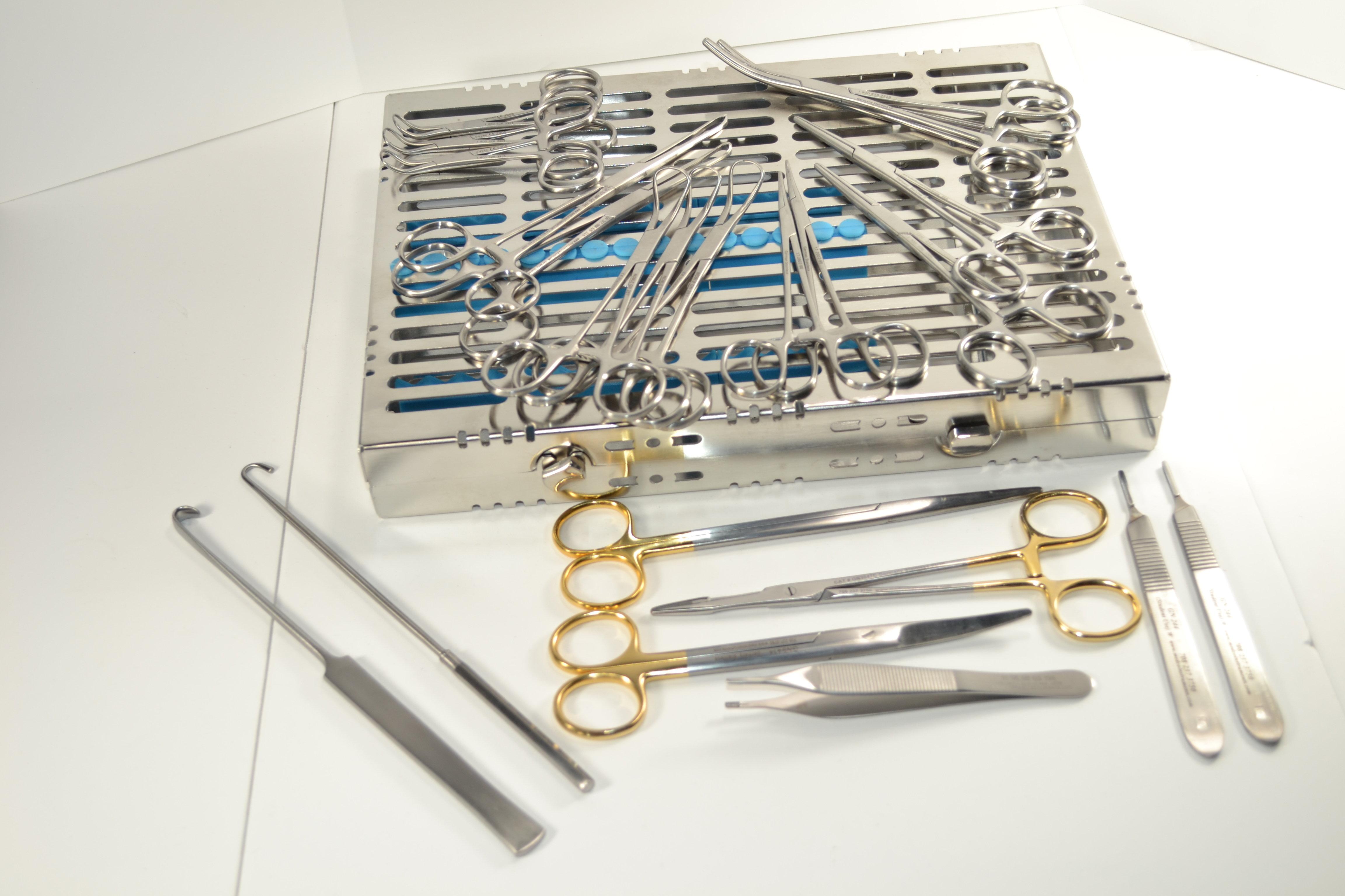 General Veterinary Surgery Kit w/ Metal Case GVS-22