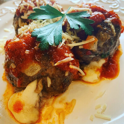 Mozzarella Stuffed Italian Meatballs w/Spaghetti