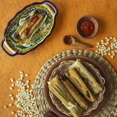 6 Tamales: Pork in Green Salsa