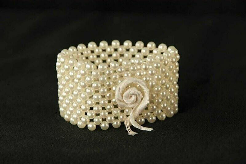 R11 - Mini Pearl Bracelet ( Champangne) ( Forever Keepsake Bracelet)