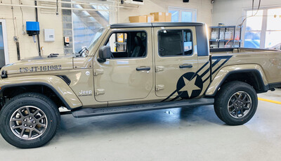 Jeep Gladiator JT Large Star/Bar Vinyl Graphics