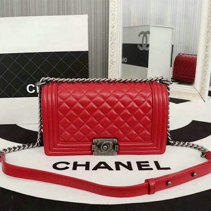 NEW RED CAVIAR LEATHER 25CM LUXURY BAG