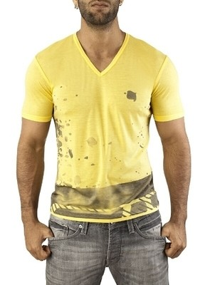 Vuthy Graphic V-Neck T-Shirt - Yellow for men
