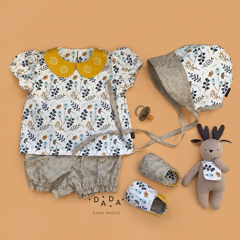 Комплект блузка, блумеры, моксы, чепец и игрушка