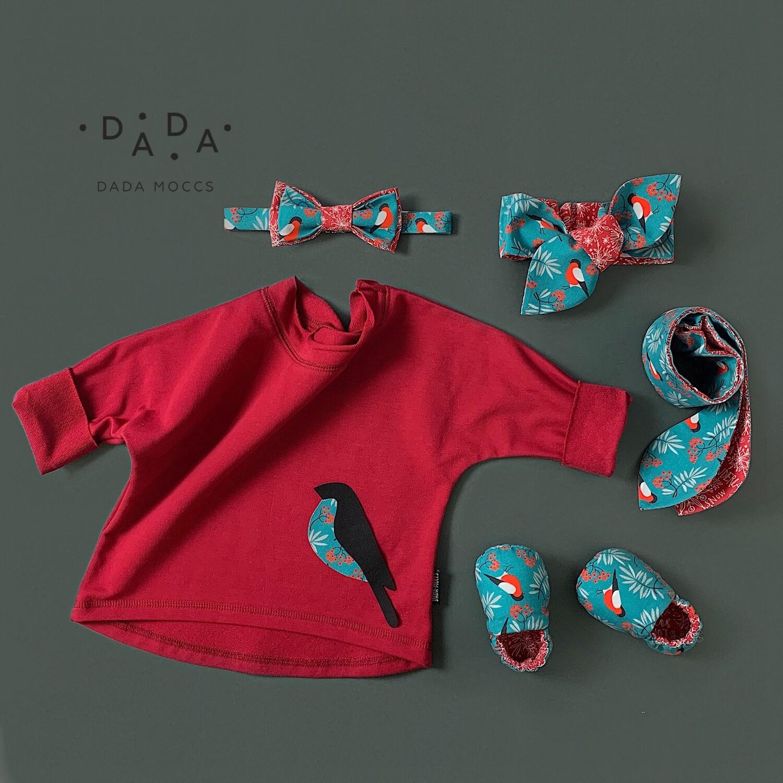 Комплект футболка с аппликацией, повязка, галстук-бабочка и моксы