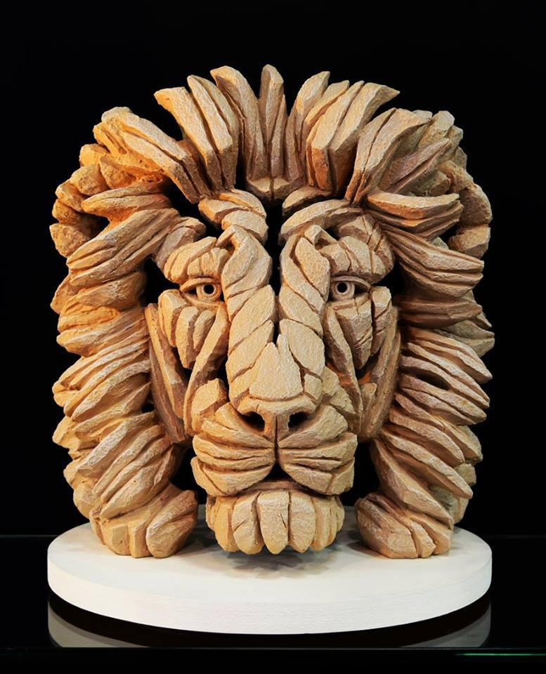Lion - Yorkstone for Outdoors 11638
