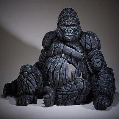 Gorilla - Sitting