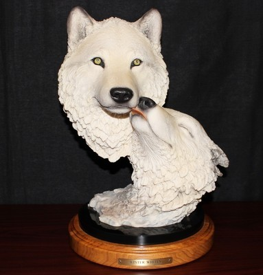 "Joe Slockbower 17"" Wolf Sculpture ""Winter Whites"" 2441/2500 Mill Creek Statue"