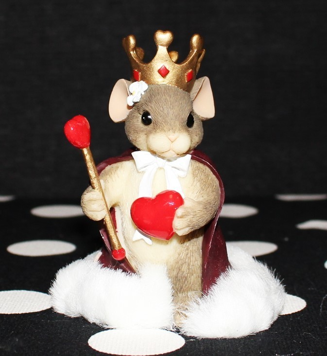 "Charming Tails by Fitz & Floyd 2000 ""Queen of My Heart"" #84/114 Figurine w/ Box"