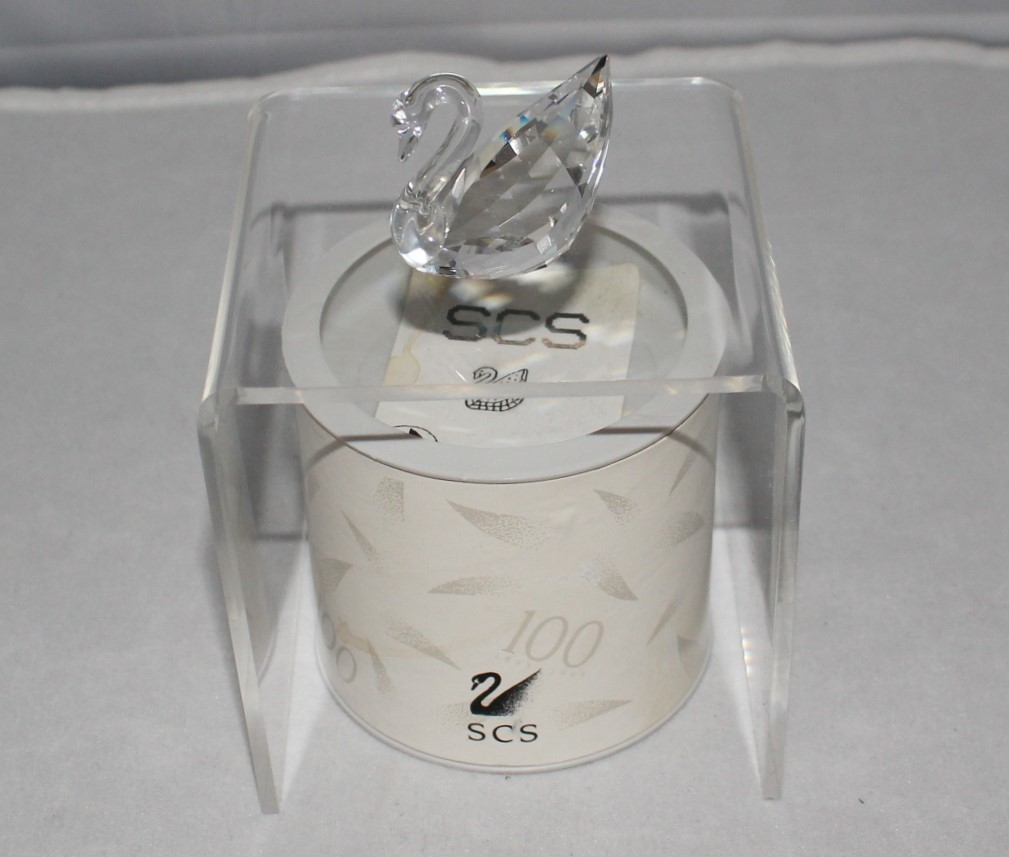 Swarovski Crystal 1995 SCS Miniature Swan Figurine w/ Original Box