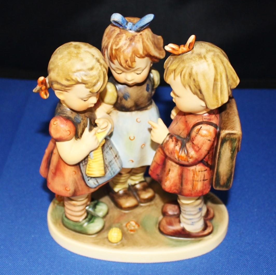 """Vintage Hummel Goebel """"School Girls"""" 7.5"""" Porcelain Figurine"""