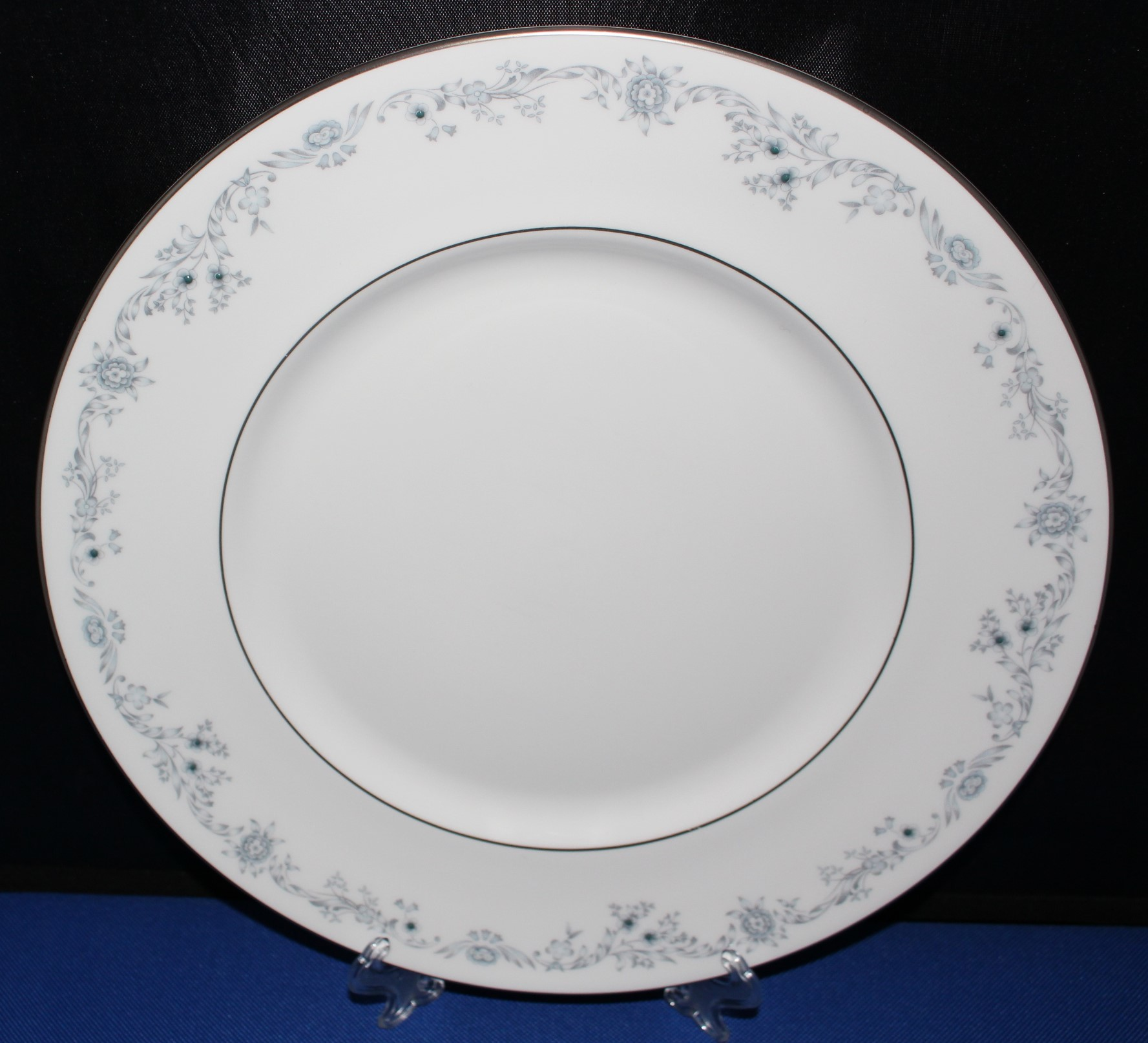 "Royal Doulton H4997 Angelique 10.5"" Dinner Plate, Blue Floral Fine Bone China 05801A"