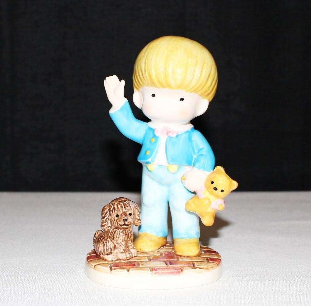 """1981 Joan Walsh Anglund """"Boy w/ Teddy Bear"""" Ebeling Reuss 5"""" Porcelain Figurine"""