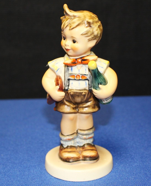 "Goebel Hummel Valentine Joy 5.5"" Figurine #399 - 1979 Special Edition No. 4"