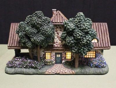 "Thomas Kinkade Lamplight Hawthorne Village ""Station"" Light-Up House"