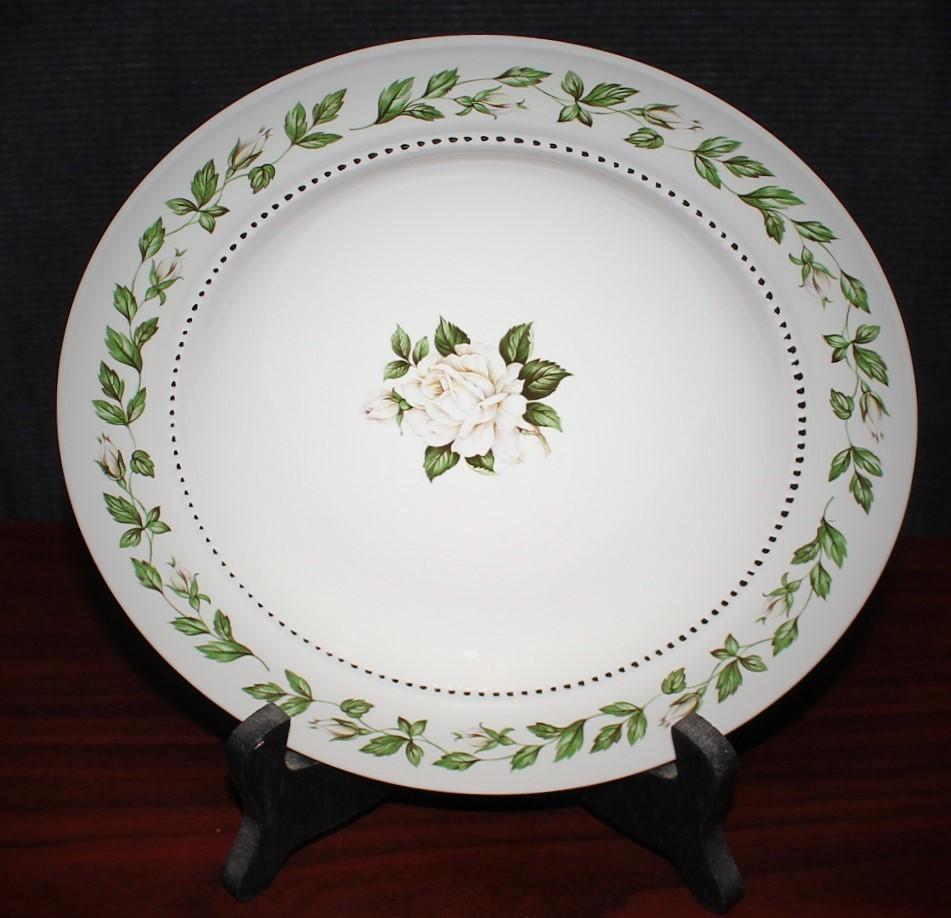 "Mary Dunbar Cameo Rose 7.25"" Salad Plate Superior Hall Quality Jewel Homemaker"