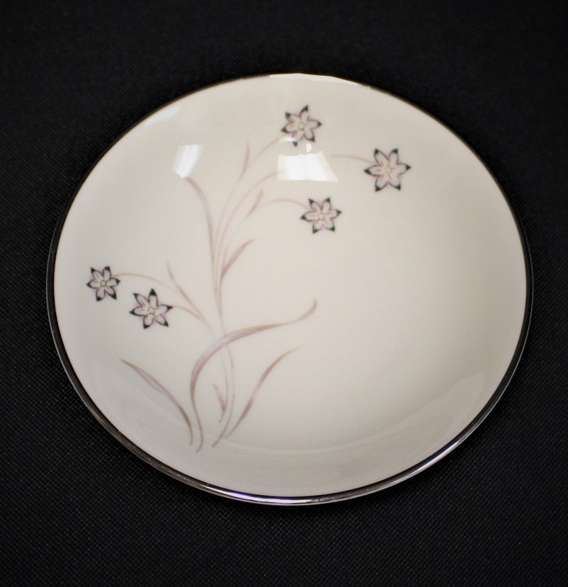 Flintridge China Starflower Fruit or Dessert Bowl w/ Platinum Trim