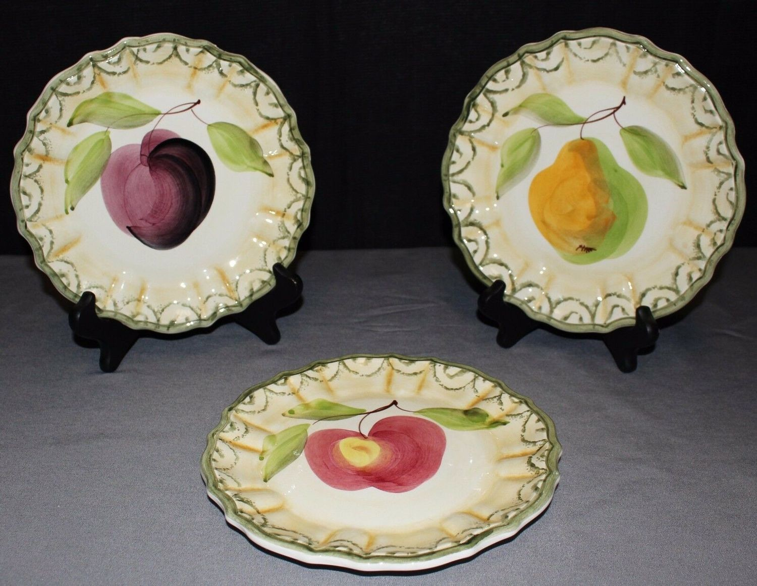 """Set of 3 Exclusively for Mane Lion 8"""" Plum, Pear & Apple Wall Plates, Italy"""