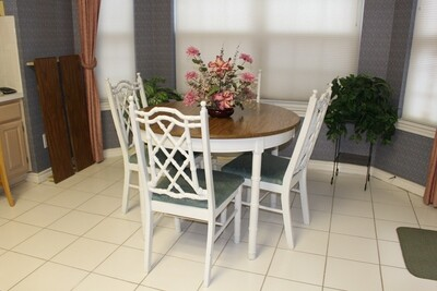 Shabby Chic Bamboo Kitchen Table w/ 2 Leaves & 4 Chairs