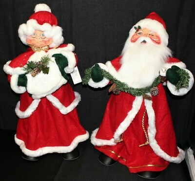 "Giant Pair of 2004 Annalee 30"" Mr. & Mrs. Santa Claus Christmas Dolls w/ Tags"