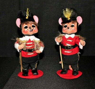Pair of 2009 Annalee Christmas Toy Soldier Mice 8.5