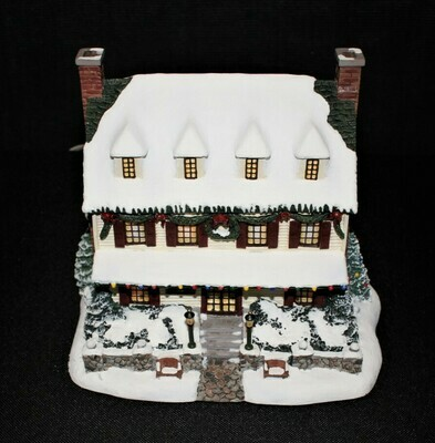 "Thomas Kinkade 2001 ""Village Christmas Inn"" Hawthorne Lamplight Sculpture"
