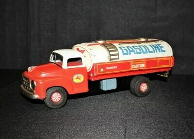 1950's Mobil Gasoline Pegasus Tin Friction Fuel Tanker Truck, Japan by Yonezawa