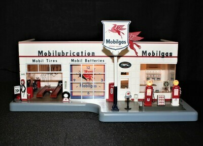 Danbury Mint Mobil Gas Lighted Full-Service Station Display Model with Clock