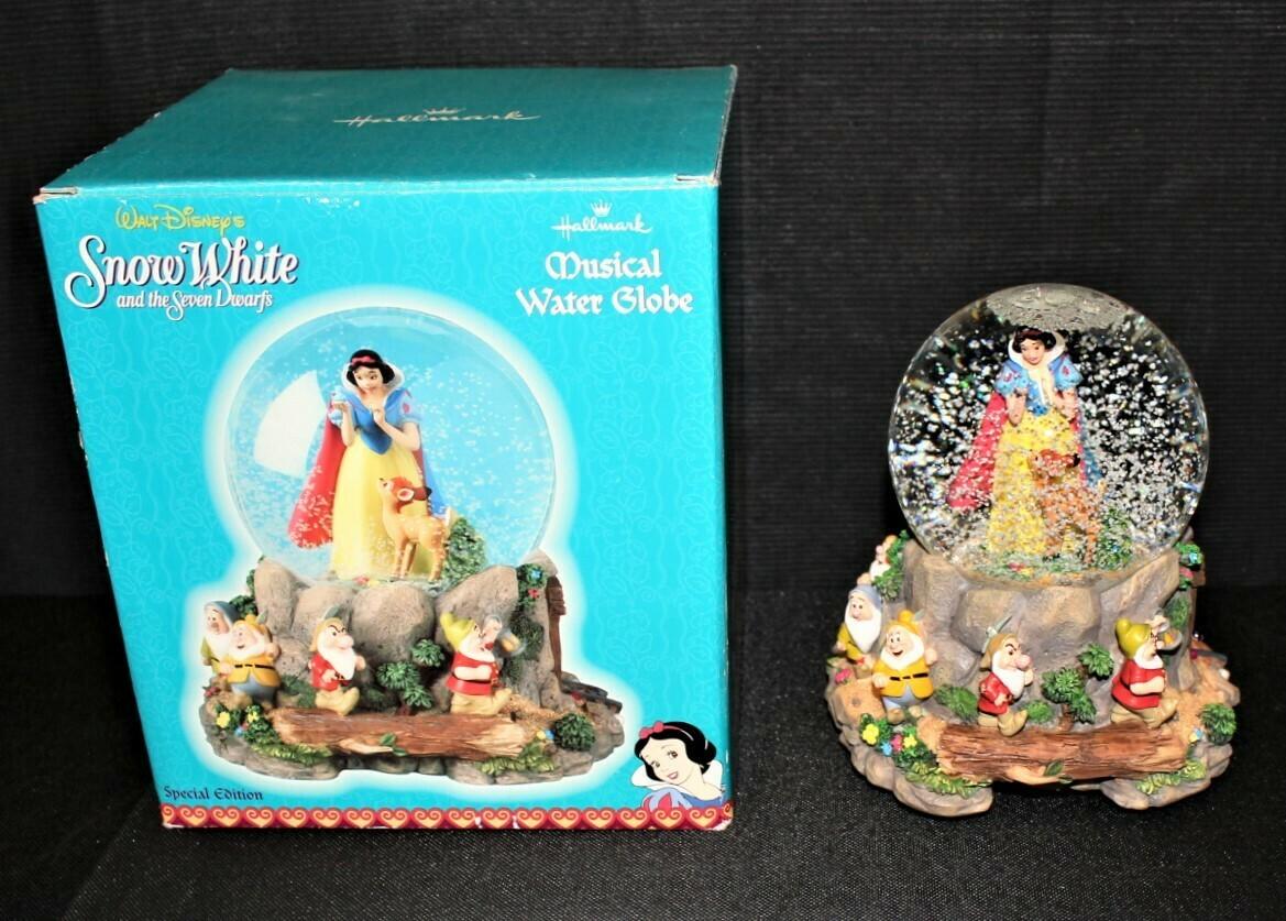 Walt Disney Snow White & the Seven Dwarfs Musical Globe Heigh-Ho in Original Box