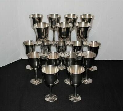 Set of 18 Salem Portugal Silverplate 5 5/8