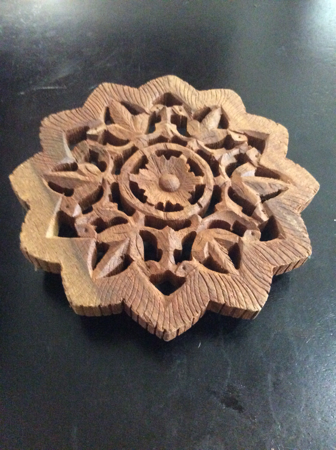 Wood trivet set Djinn tabernacle on when summonsing to cast thy wishes