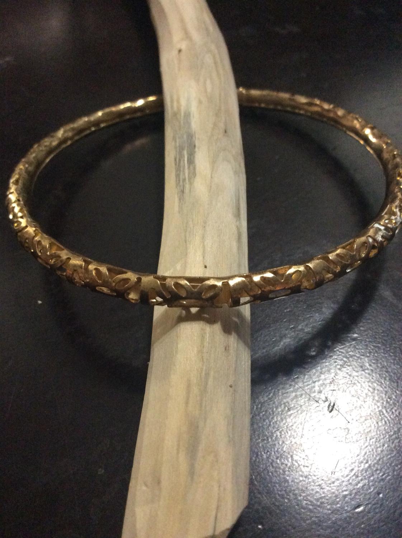 Bracelet anoint with Tao principle of P'u