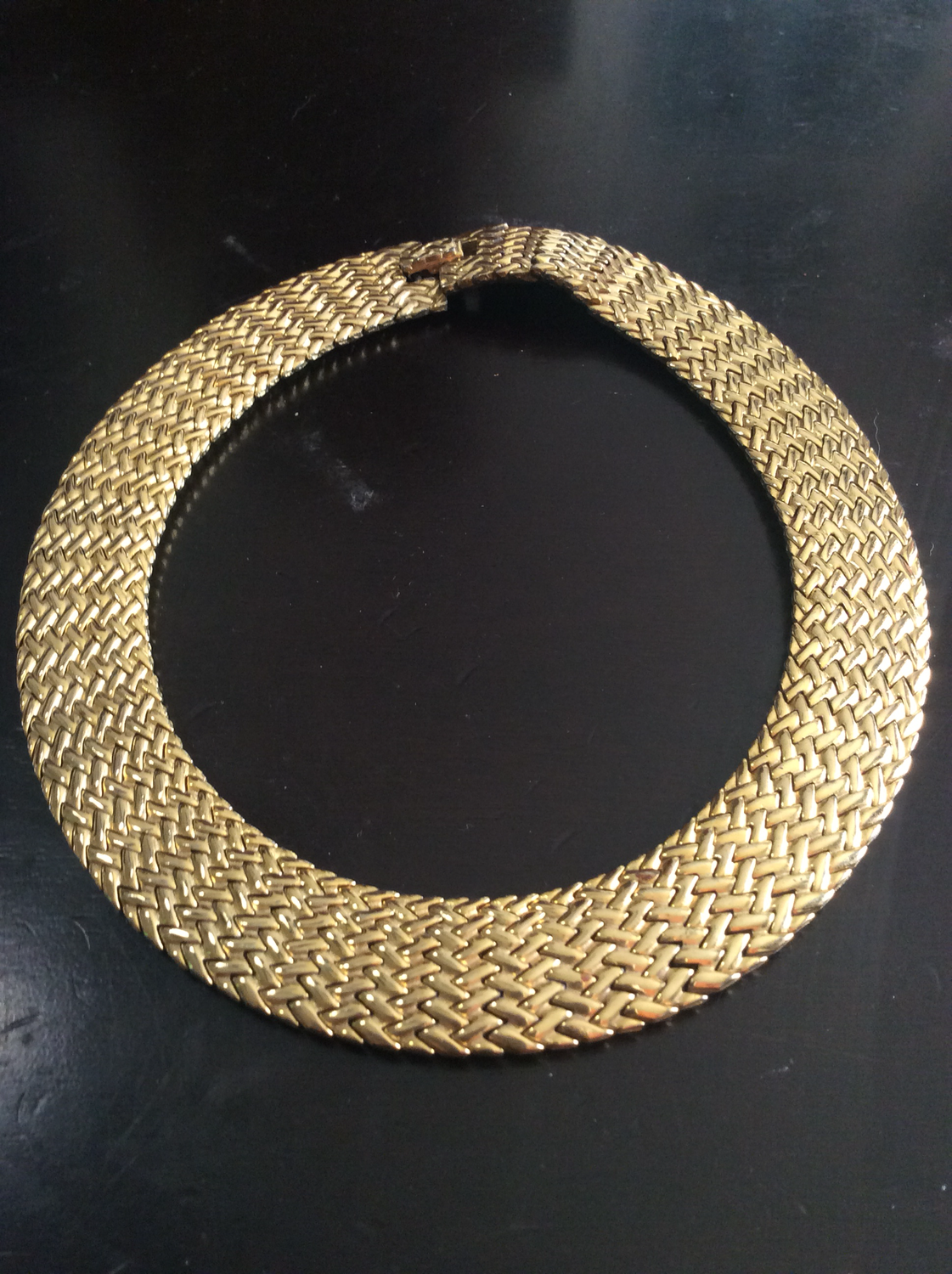 Necklace amplify inner chi (life force energy) and intensify emitted aura