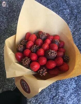 მარწყვის თაიგული / strawberry bouquet