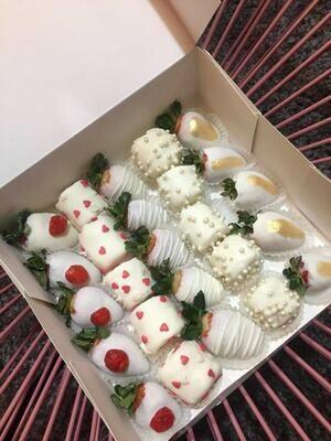 მარწყვი & ბანანი თეთრ შოკოლადში (25ც) | Strawberry & Banana in White Chocolate (25pcs)