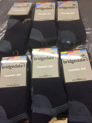 BRIDGEDALE MW HIKING SOCKS NAVY LARGE 9-11.5 SECONDS